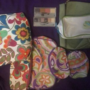 Clinique make up bag since w 2 eyeshadow palettes
